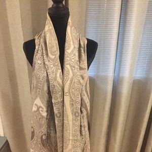 Scarf / shawl
